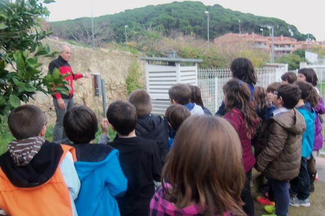 4t a Vil•la Flora a veure l'estació meteorològica de Canet