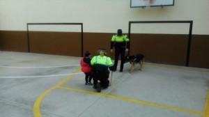 2015-02-27 Gossos policia (10)