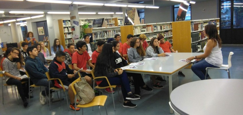 4t ESO visiten la biblioteca municipal